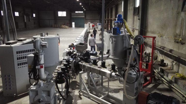 Экструзионная линия для трехслойных труб, гладкие ПП трубы